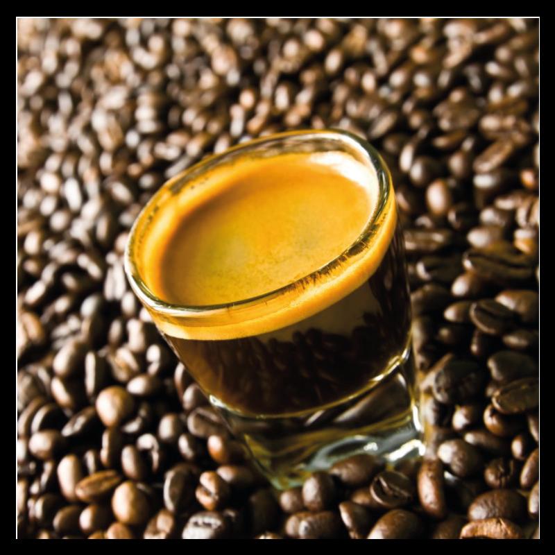 Espresso aus einem Kaffeeautomat fuer die Produktion